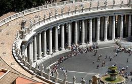 VIDEO: Kiếm bộn tiền nhờ lễ bầu Giáo hoàng