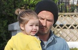 Harper Beckham rạng rỡ dạo phố