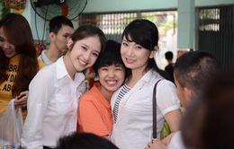 Á hậu Thanh Vy dành nhiều tình yêu cho trẻ em khuyết tật