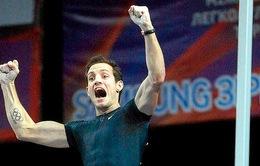 Kỷ lục nhảy sào của huyền thoại Sergei Bubka bị phá vỡ