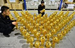 World Cup 2014: Đến cúp vàng FIFA cũng bị làm giả