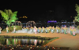 """Chương trình """"Âm vang một dòng sông"""" khép lại Festival Huế 2014"""