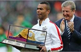 Sốc: Ashley Cole chính thức bị loại khỏi đội tuyển Anh tại World Cup 2014