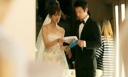 Những ngày đầu mới yêu của Kim So Yeon và Lee Sang Woo trên phim trường Gia hòa vạn sự thành