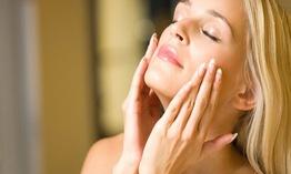Cần làm gì khi có làn da khô quanh năm
