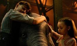 Chú voi biết bay Dumbo bất ngờ tung trailer phiên bản live-action mang đầy màu sắc ảo thuật kỳ diệu