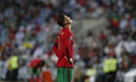 Sao đương thời | Cristiano Ronaldo tiếp tục phá kỷ lục của chính mình