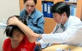 Những sai lầm cần chú ý khi trẻ bị ho và hen suyễn