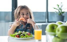 Chế độ dinh dưỡng tránh các bệnh về hô hấp cho trẻ em