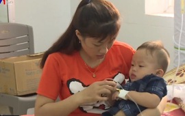 Hà Tĩnh: Gia tăng bệnh nhi nhập viện do nắng nóng kéo dài