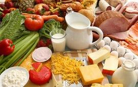 Dinh dưỡng hợp lý cho trẻ trong những ngày tết