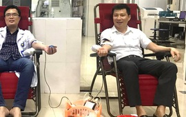 Bác sĩ hiến máu cứu bé sơ sinh 1 ngày tuổi bị vàng da nặng