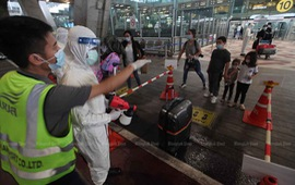 Thái Lan rút ngắn thời gian cách ly với du khách đã tiêm vaccine