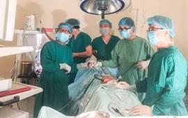 Nhập viện vì đau bụng cấp, cô gái trẻ phát hiện u nang buồng trứng xoắn