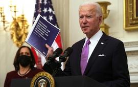 Mỹ ban hành chiến lược quốc gia siết chặt kiểm soát dịch COVID-19