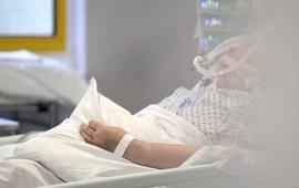 Số ca tử vong do COVID-19 tại Anh vượt quá 100.000 người