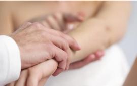9 triệu chứng nổi mề đay không nên bỏ qua