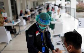 Indonesia cho phép các công ty tư nhân tự tiến hành tiêm vaccine COVID-19