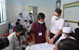 Gần 40 tình nguyện viên tiêm thử nghiệm lâm sàng vaccine Nanocovax giai đoạn 2 tại Long An