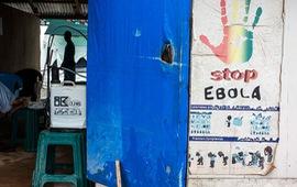 CDC Mỹ cảnh báo hạn chế đi lại đối với các quốc gia có dịch Ebola