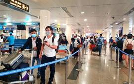 NÓNG: 3 người nhập cảnh trái phép về TP Hồ Chí Minh, đi máy bay ra Nội Bài