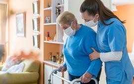 Sự luân chuyển nhân viên khiến các viện dưỡng lão Mỹ rơi vào tình thế nguy hiểm