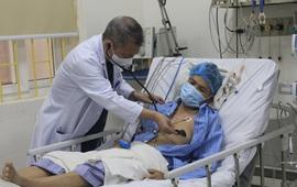 Chủ quan khi đau tức ngực không điều trị, người đàn ông ngừng tuần hoàn nguy kịch
