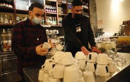 """Israel mở lại nhà hàng, quán bar cho những người có """"hộ chiếu xanh"""""""