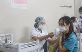 Hà Nội phân bổ 3 loại vaccine COVID-19 cho 30 quận, huyện, thị xã