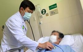 Kết hợp kỹ thuật can thiệp và phẫu thuật cứu sống bệnh nhân bị phình động mạch chủ ngực