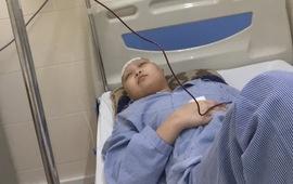 Mất đôi mắt vì căn bệnh u não, cô bé 14 tuổi cần sự giúp đỡ