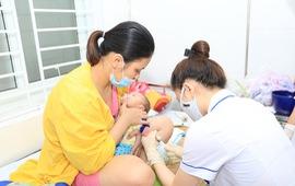 Hàng trăm trẻ nhập viện do mắc hội chứng viêm màng não do virus