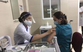 9/19 tỉnh, thành phố đã hoàn thành việc tiêm vaccine COVID-19 đợt 1