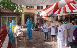 4 sinh viên thực tập ở bệnh viện dương tính với SARS-CoV-2