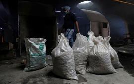 Khoảng 9.000 tro cốt nạn nhân COVID-19 Ấn Độ bị bỏ rơi