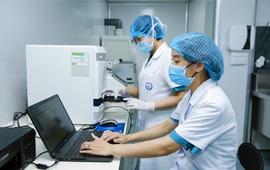 Lấy mẫu xét nghiệm COVID-19 cho người bệnh, người hỗ trợ chăm sóc trước khi vào điều trị nội trú