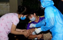 Hà Nam: Lấy trên 3.100 mẫu xét nghiệm SARS-CoV-2 tại ổ dịch ở xã Công Lý