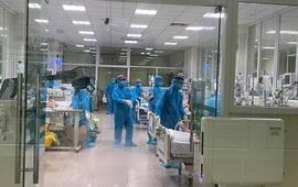 Bệnh viện Bệnh nhiệt đới Trung ương tiếp nhận 15 bệnh nhân COVID-19 mỗi ngày