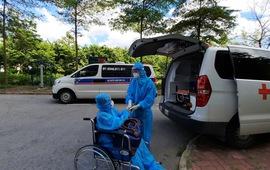 Bệnh nhân COVID-19 nguy kịch thứ 12 tại Bệnh viện Bệnh nhiệt đới Trung ương ra viện