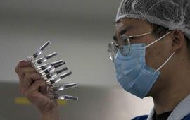 """Tiêm vaccine """"thần tốc"""", hơn 1,4 tỷ dân Trung Quốc sống chung an toàn với COVID-19"""