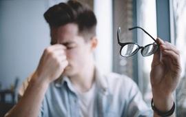 Đọc vị 8 vấn đề về sức khỏe biểu hiện qua đôi mắt