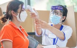 Cảnh báo nguy cơ dịch chồng dịch, cần tiêm những loại vaccine nào để bảo vệ sức khỏe?