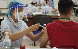 TP Hồ Chí Minh tiêm vaccine COVID-19 cho toàn bộ người dân từ 18 tuổi