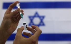 Israel tiêm mũi vaccine thứ 3 cho người trên 60 tuổi