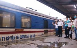 Chuyến tàu đặc biệt chở trang thiết bị chi viện cho TP. Hồ Chí Minh