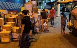 Hơn 300 y, bác sĩ cùng 8 tấn trang thiết bị từ Bệnh viện Hữu nghị Việt Đức vào TP. Hồ Chí Minh