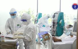 Nỗ lực giành sự sống cho bệnh nhân COVID-19