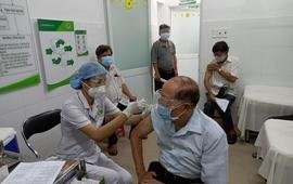 Đẩy mạnh tiêm chủng mũi 2, bảo vệ vùng xanh ở TP. Hồ Chí Minh