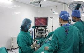 Phẫu thuật cấp cứu bệnh nhân bị dao dâm thấu ngực