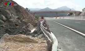 Sạt lở nghiêm trọng đường cao tốc Đà Nẵng - Quảng Ngãi